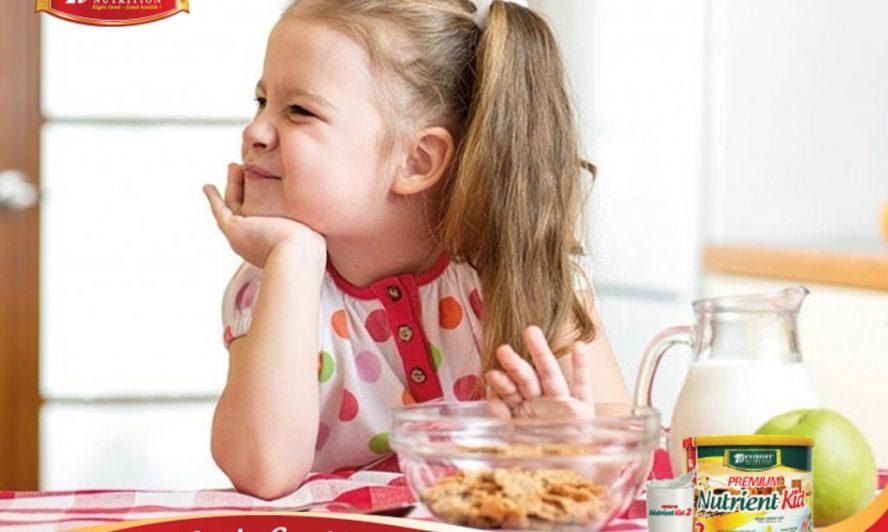 """Làm thế nào để nhận biết trẻ biếng ăn hay không?"""" là vấn đề gây tranh cãi của rất nhiều cặp vợ chồng – Ảnh minh họa"""